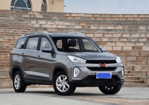 创业型车主喜欢提五菱洪光S3,而家用厂家常用的五菱SUV,真的是上班的料