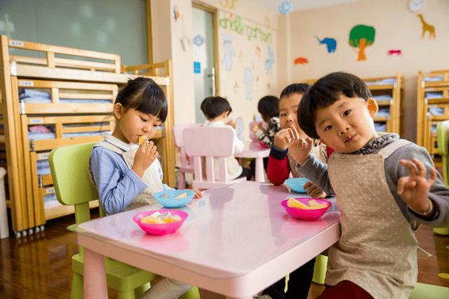 宝宝不爱吃饭怎么办?试试这些方法,轻松解决宝宝食欲不佳  第3张