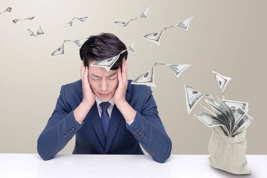 原创             陈根:是什么把年轻人推进债务洪流?