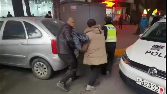 热烈庆祝中国人民警察节丨八旬老人危重求助 渝中民警开辟绿色通道紧急送医