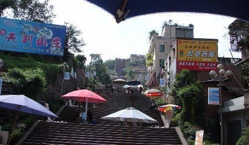 四川人口大县_四川有座与西藏相接的县,人口仅有3万多,却坐拥50多家酒店