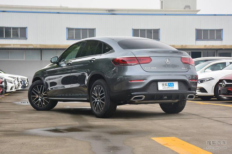 新款奔驰GLC轿跑SUV上市 售46.08