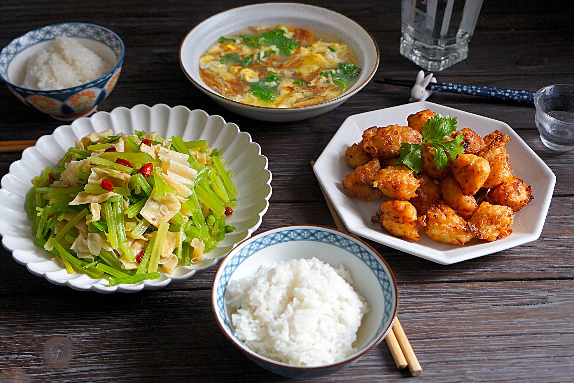 宅在家,午餐做了两菜一汤,好吃得停不下来,婆婆:会过日子