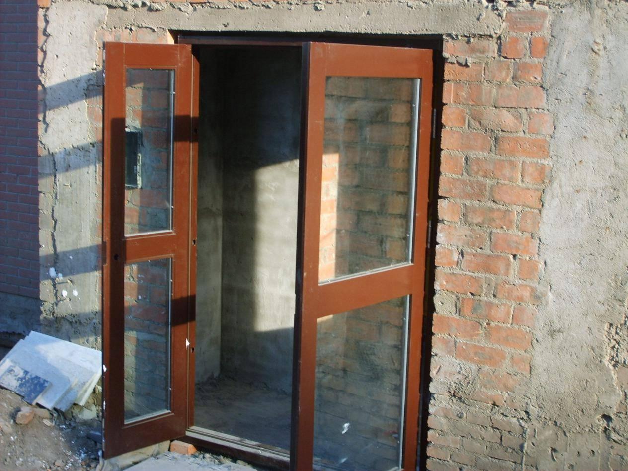 新房在一楼,果断把阳台拆了,改成入户门,邻居说违建我偏不听!