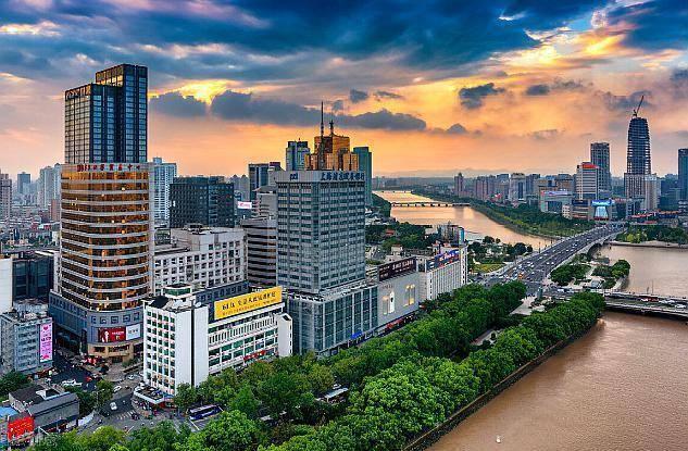 印度尼西亚第二大城市gdp_北方第二大城市GDP出炉 总量18809亿,增长率3.6 ,十分感人