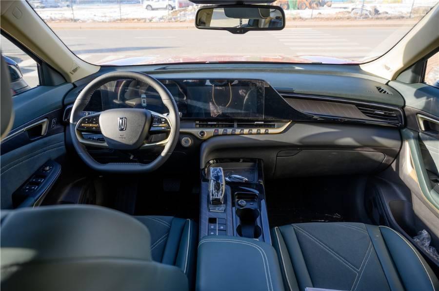 原装双屏环绕驾驶舱,设计质感更加精致,奔腾T55内饰外露