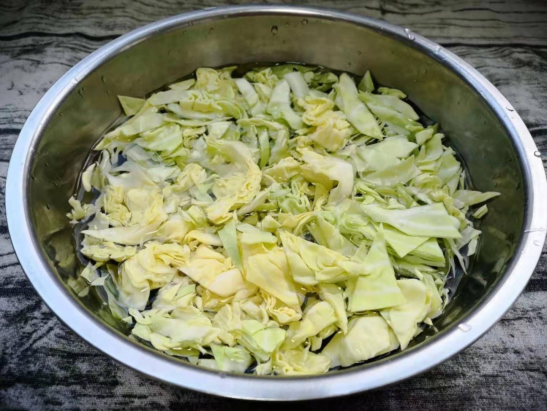 """香菇和它是""""黄金搭档""""简单一炒,营养又香又下饭,孩子特爱吃!"""