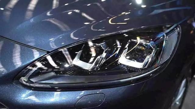 """原装最委屈的""""耐用车"""",高速比路稳,2.0T 8AT"""