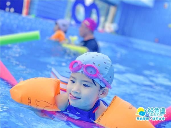 真实案例告诉你,坚持参与婴游水育锻炼,秋冬更少生病