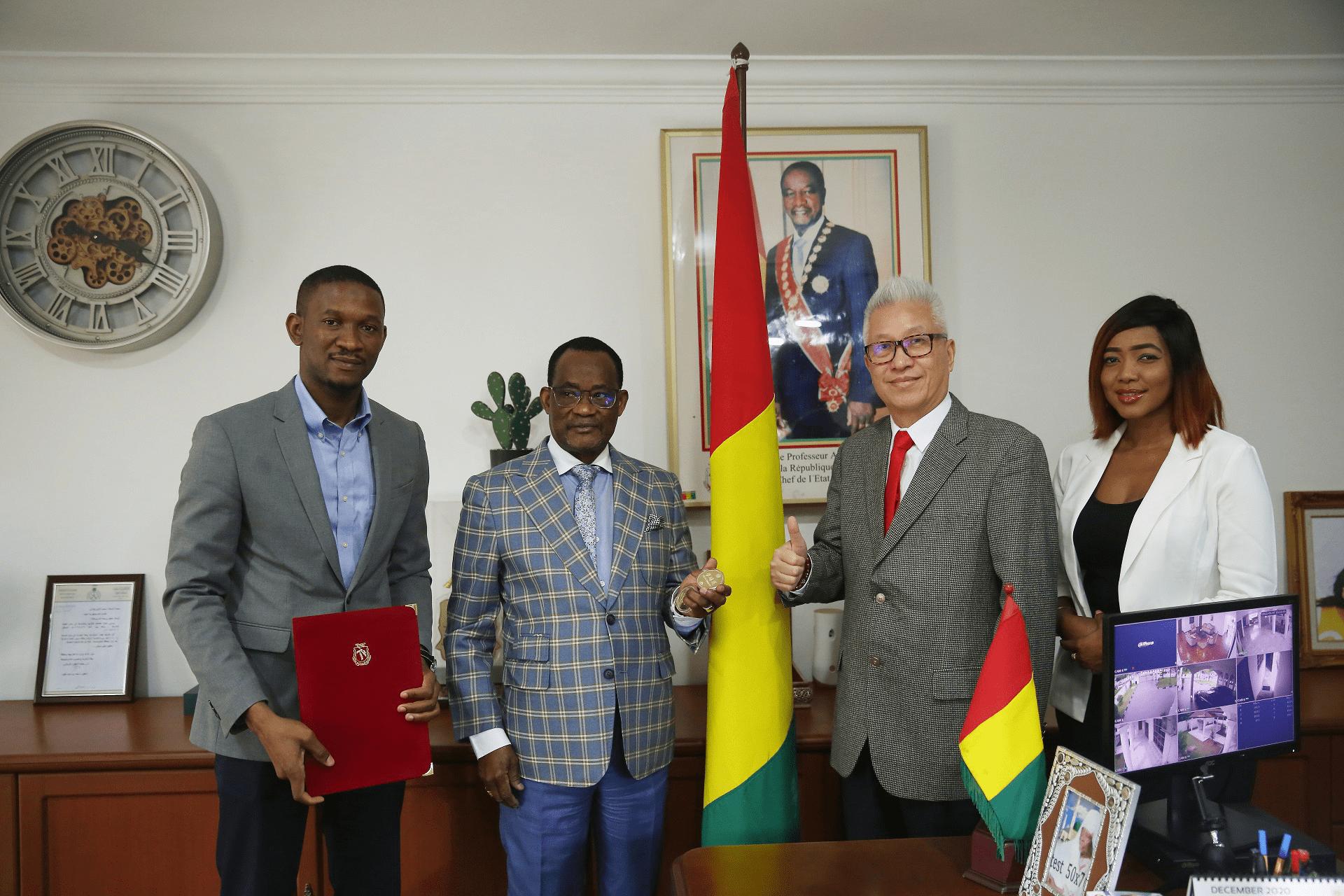 荣耀加身全球瞩目 MOOM创始人黄东生出任几内亚经济顾问