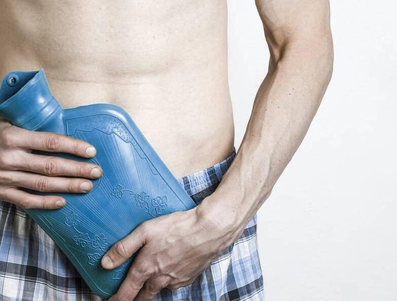 """提醒男性:前列腺炎來擾,身上可能會發出3個""""警報"""",勸你別視而不見"""