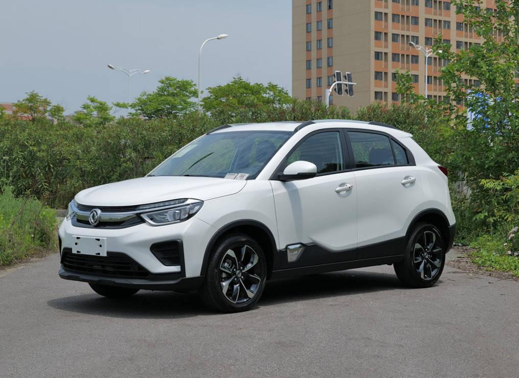 东风沈峰AX4又增加了一款1.0T的车型,起价7.59万元