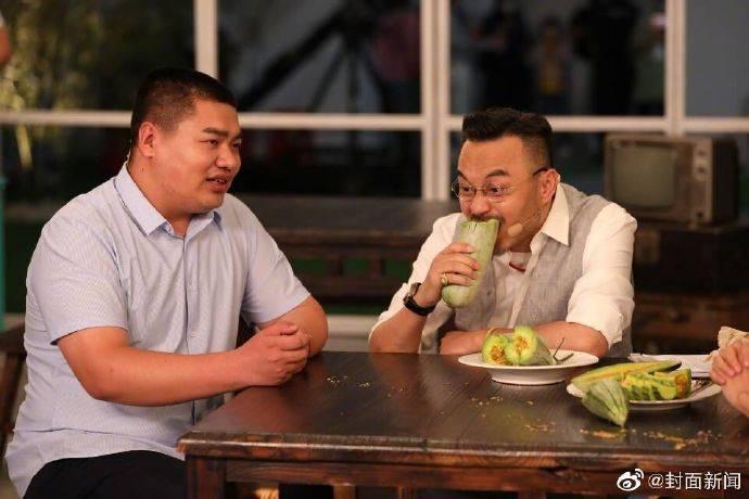 汪涵老年式直播 帮扶农民助力国货