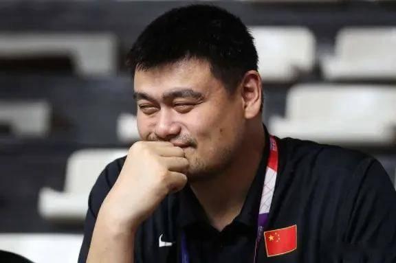 """篮协主席姚明致力于推广""""小篮球"""",中国篮球要从娃娃抓起"""
