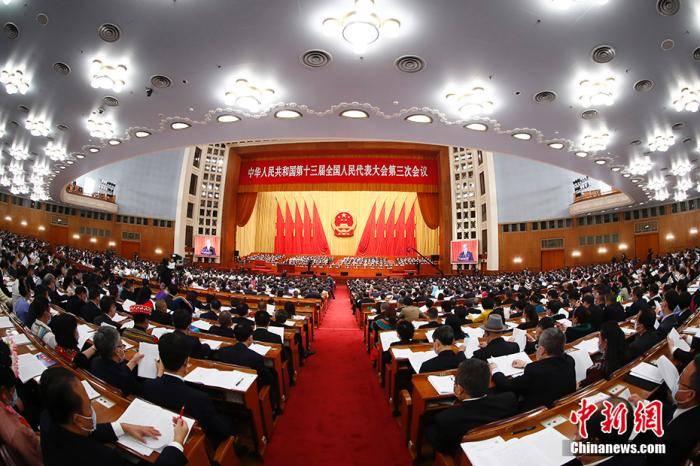 今日下午3时,十三届全国人大三次会议闭幕后,李克强会见中外记者