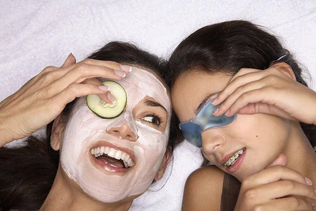 不想眼周肌肤暴露年龄?是时候把眼膜提上护肤日程了!
