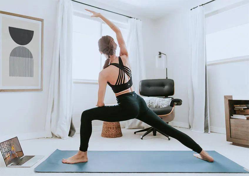 疏通膀胱经,赶走春困!这套阴瑜伽序列特别有效!_双肩