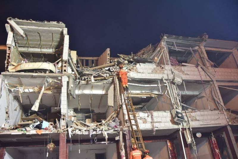 应急管理部:温岭高速槽罐车爆炸已救出12人,仍在搜救被困人员