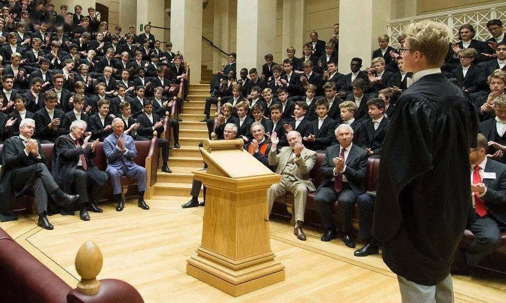 英国最牛补习学校,一年把你补进剑桥