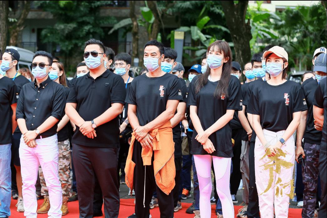 电影《爷们》在云南西双版纳正式开机
