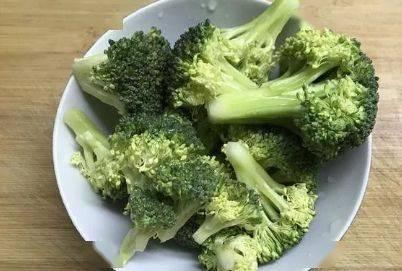 5种必须焯水后再吃的蔬菜,今天才知道原因,看后赶快告诉家人! 增肌食谱 第6张