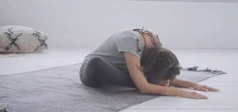 初学瑜伽,这套简单的阴瑜伽最适合了! 减肥窍门 第8张