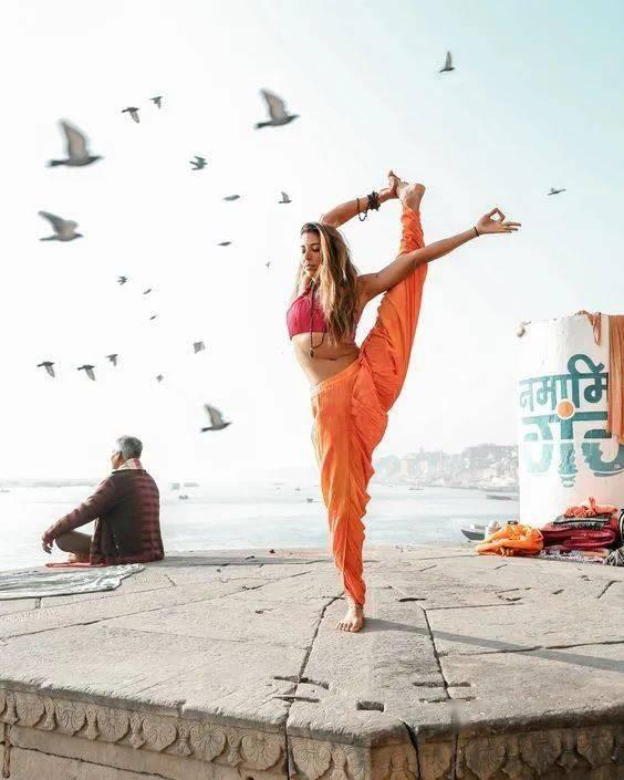 """""""筋长一寸寿延十年"""",10个拉伸瑜伽体式在家练,超舒服!_身体 高级健身 第1张"""