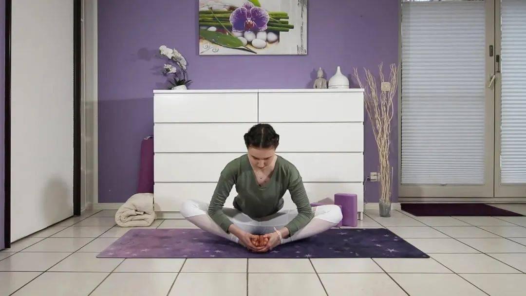 """""""筋长一寸寿延十年"""",10个拉伸瑜伽体式在家练,超舒服!_身体 高级健身 第12张"""