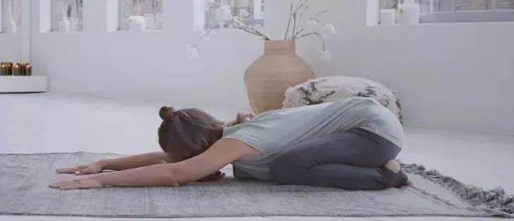 初学瑜伽,这套简单的阴瑜伽最适合了! 减肥窍门 第13张