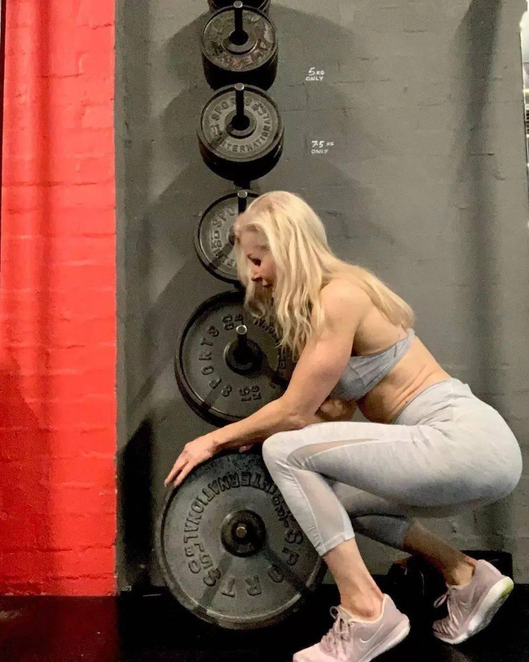 她48岁开始健身,64岁时身材如20岁少女,撸铁16年! 中级健身 第34张