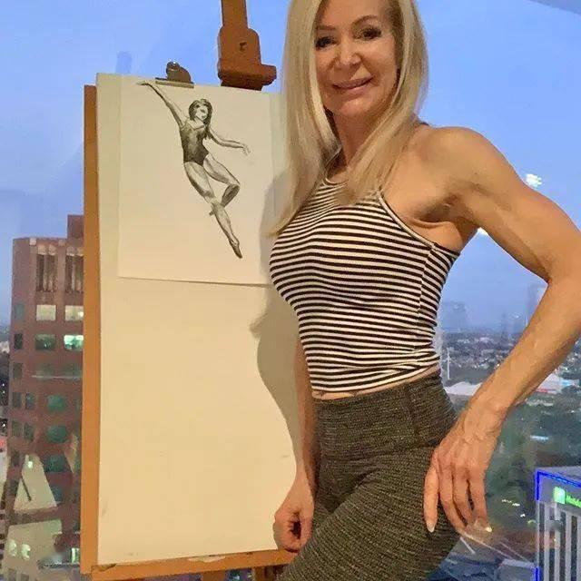 她48岁开始健身,64岁时身材如20岁少女,撸铁16年! 中级健身 第12张