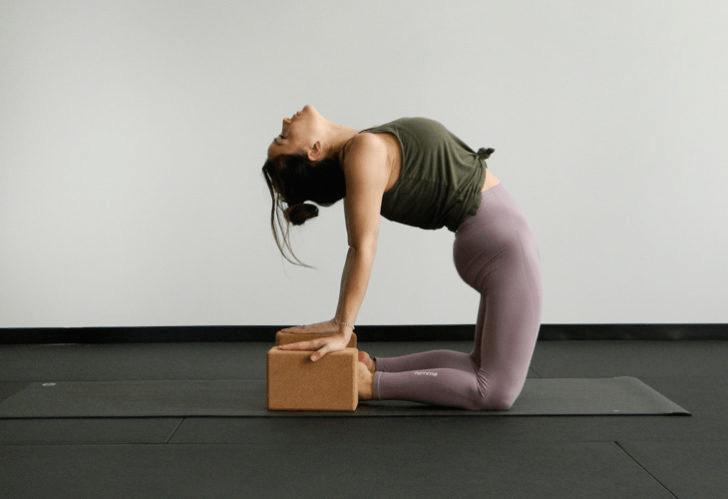 练瑜伽,没感觉?12个常见瑜伽体式,这样练超级有感觉! 减肥窍门 第11张
