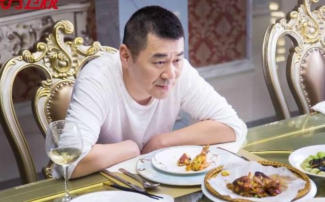 演忘年恋被质疑,陈建斌:这个戏就该选我这样的演员