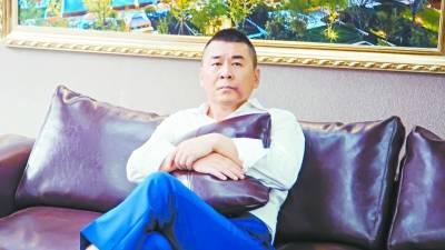 """富豪陈建斌演绎喜感富豪""""装穷""""追爱"""