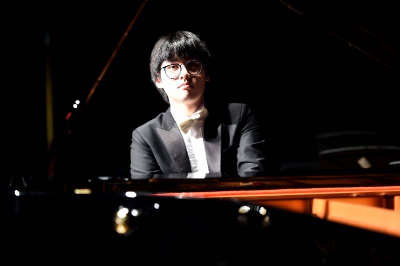 【贝多芬】深圳音乐厅本周起开辟公益演出门票电话预约渠道,7月致敬贝多芬