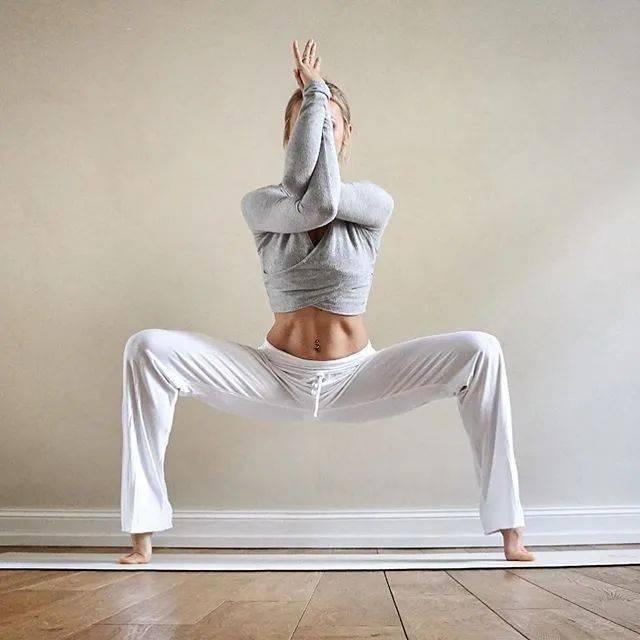 人到中年,腹部松弛隆起?每天练这5个动作,排毒素,减掉大肚腩!