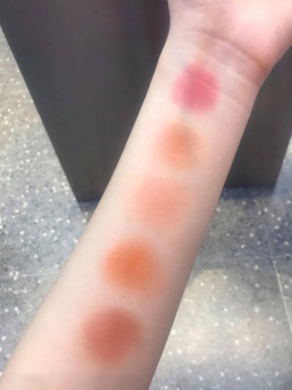 彩妆探店|几百个品牌随便试,这家彩妆店彻底把我爽翻了!