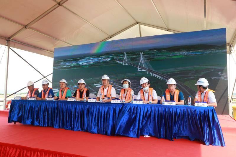 应急|计划2023年完工!佛山富龙西江特大桥举行水上施工应急演练
