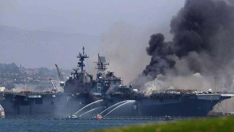 """被烧的美军""""好人理查德""""号两栖攻击舰是什么来头?"""