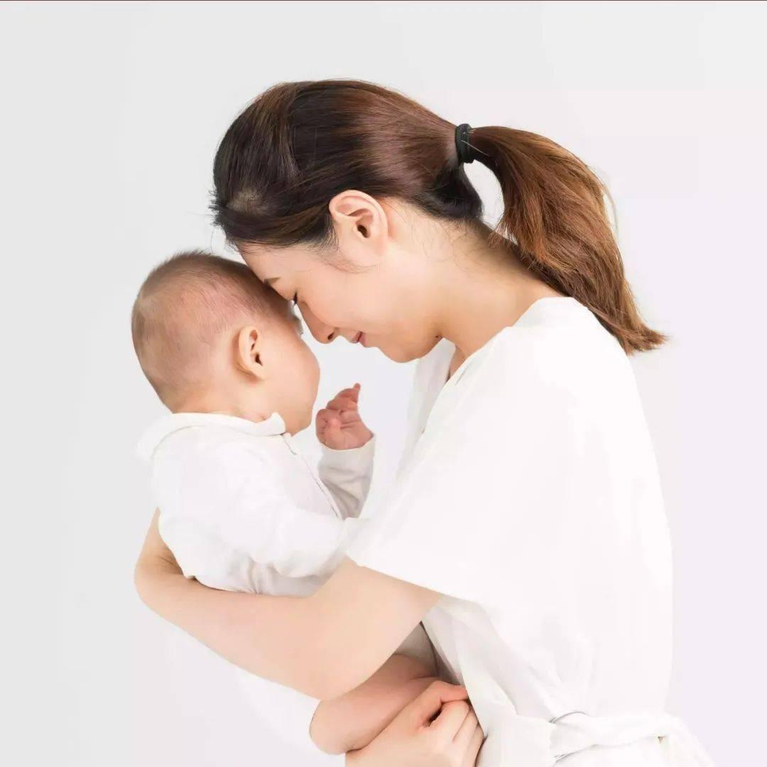 """【""""喂""""爱而来】母乳喂养是宝宝的第一块人生金牌"""