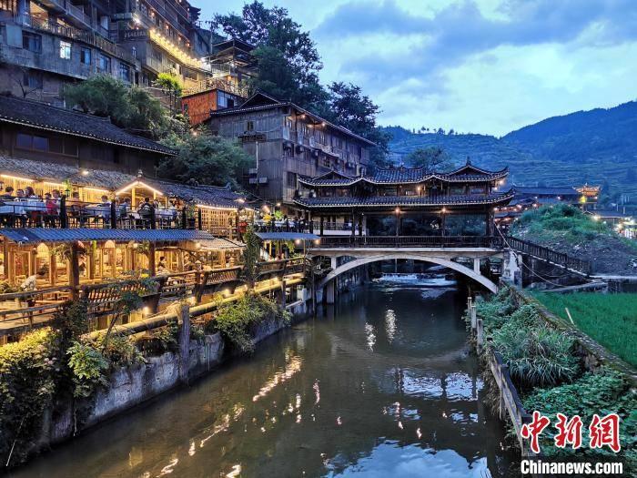跨省团队游恢复半月 贵州成高人气目的地