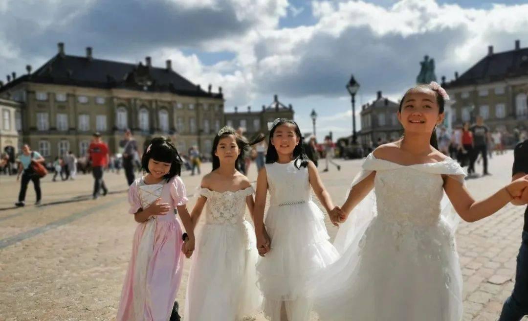 去年砸10万给孩子出国游学的家长们,今年都在忙什么?