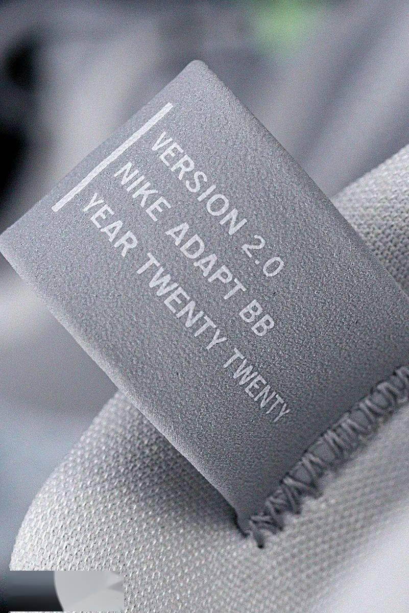 梦寐以求的酷炫功能!Nike 终于把它做出来了!路人全盯着我的鞋!插图(11)