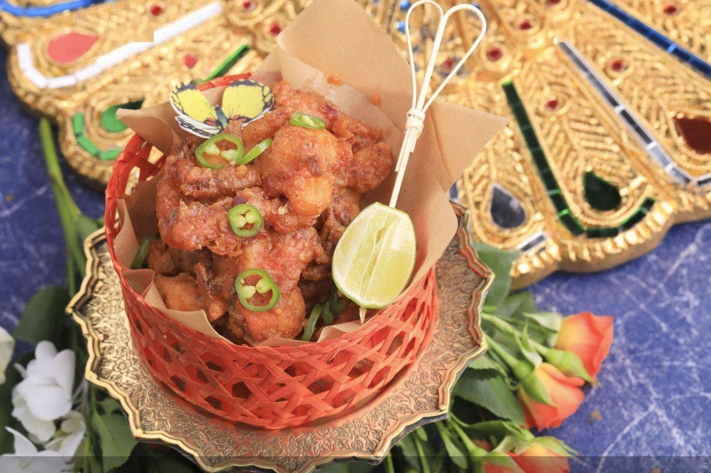 澳门威尼斯人网址官网:据先容漂亮泰邀请泰国著名米其林女主厨Purida 成隆行蟹王府米其林