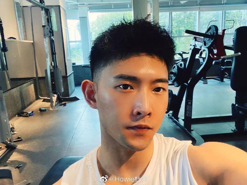 正太脸金刚身!杭州小哥因胸毛走红,这个肌肉什么水平?插图(3)
