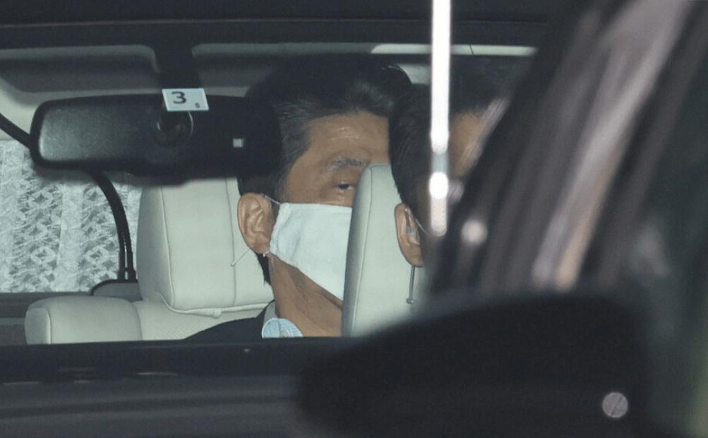 """安倍晋三已连续147天执行公务,副首相担心其身体""""垮掉"""""""
