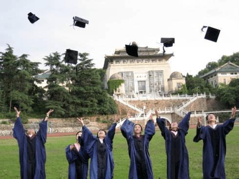 入学15年还没毕业?!多所高校向研究生发逾期警告