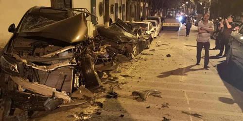 西宁:十余辆机动车受损肇事者逃逸后自首