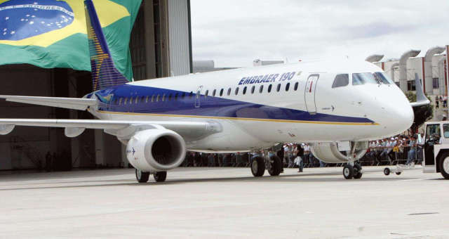 巴西航空工业公司宣布开除2500名巴西雇