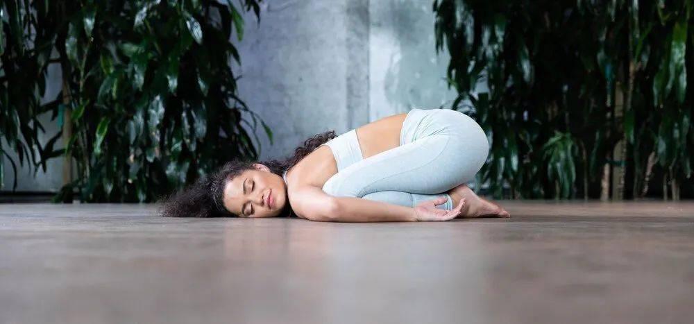 瑜伽遇上经期,这 8 个体式一定要多练!